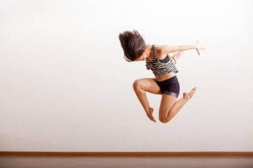 재즈 댄서의 식단 관리와 유연성 비결