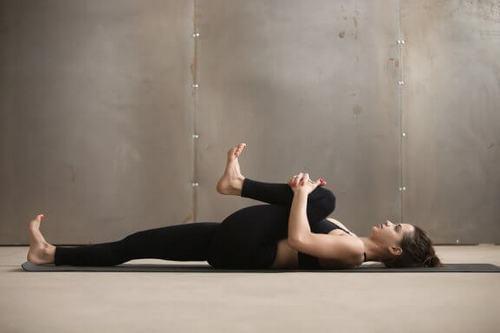 뭉친 허벅지를 위한 5가지 간단한 스트레칭