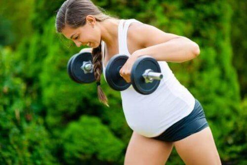 임신 중 거식증 증상과 그 영향은 무엇일까?