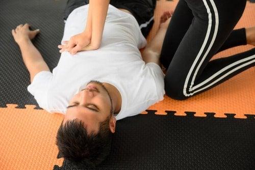 스포츠와 응급 처치 : 시기적절한 치료의 중요성