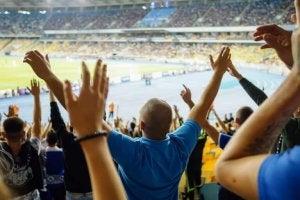 오늘날 스포츠에서의 인종 차별적인 모욕은 어떻게 사용되고 있을까?