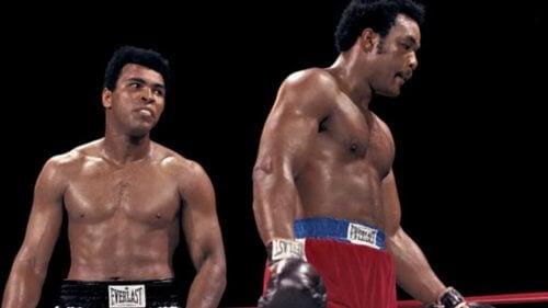 역사적인 복싱 경기를 펼친 알리와 포먼