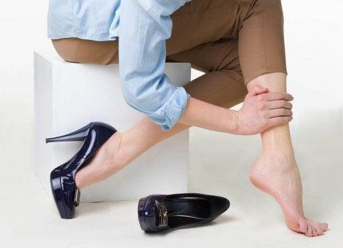 다리 혈액순환 장애 예방법과 치료