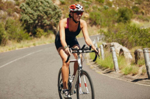 운동을 즐기는 건강한 생활방식을 기념한 자전거의 날