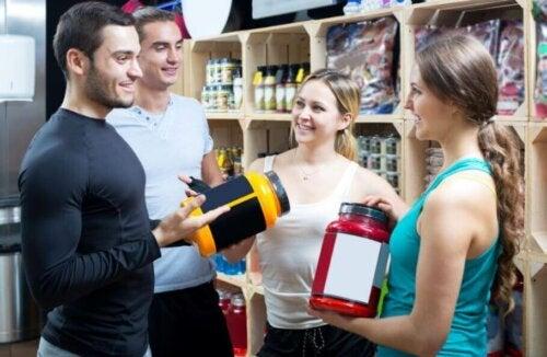 근육 발달에 도움이 되는 기본 보충제 3가지