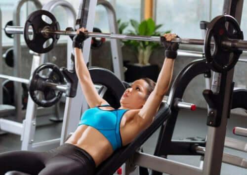 여성이 근력 운동을 하면서 흔히 저지르는 실수