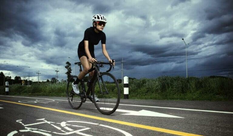 25분의 고강도 인터벌 트레이닝 자전거 훈련