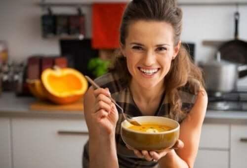 겨울철 운동 루틴을 할 때 어떤 음식을 먹어야 할까?