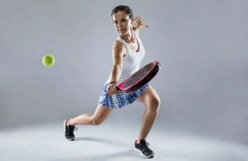 패들 테니스의 트레이 샷을 완벽하게 치는 법