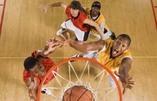 농구 리바운드 기술은 어떤 식으로 향상할 수 있을까?