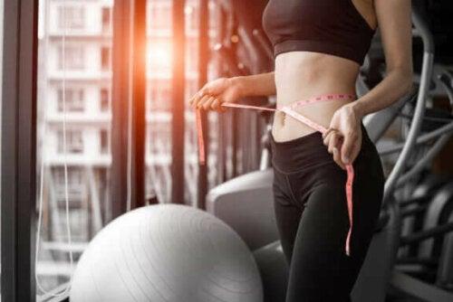 허리둘레를 줄이는 간단한 운동