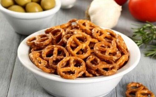 Salt snacks inneholder hovedsakelig fett og salt.