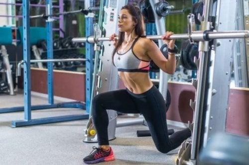 En treningsrutine for kvinner: Plan for tre økter i uken