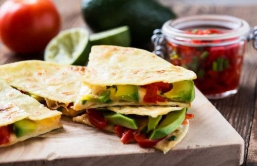 Avokado quesadillas.