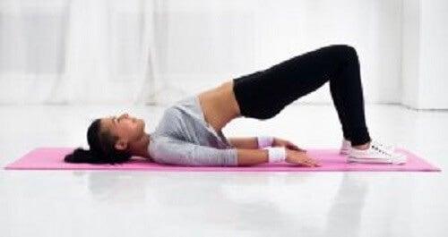 De beste måtene å strekke ryggen på