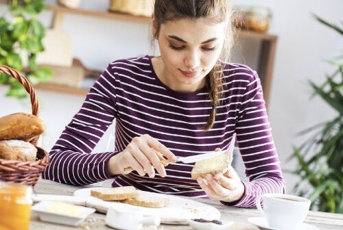 Proteinrik snacks du kan nyte som mellommåltid