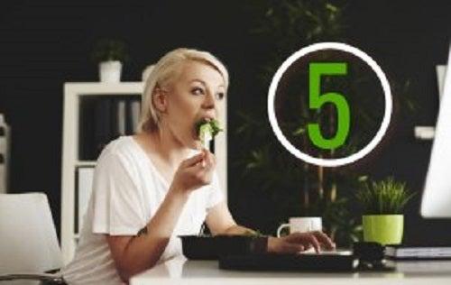 Er det nødvendig å spise fem ganger om dagen?