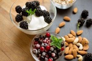 Sunne former for snacks er en av de rutinene som hjelper deg å kontrollere vekten.
