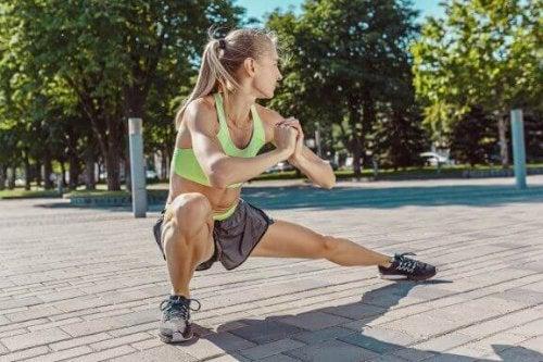Øvelser for å bli kvitt fett på innsiden av låret