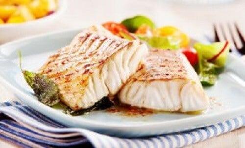 Fisk med grønnsaker.