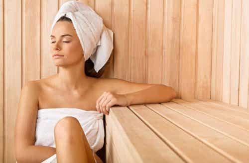 Seks helsemessige fordeler med en badstue