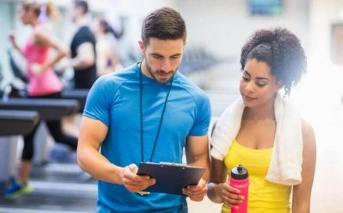Organisere treneplan for å trene hver dag.