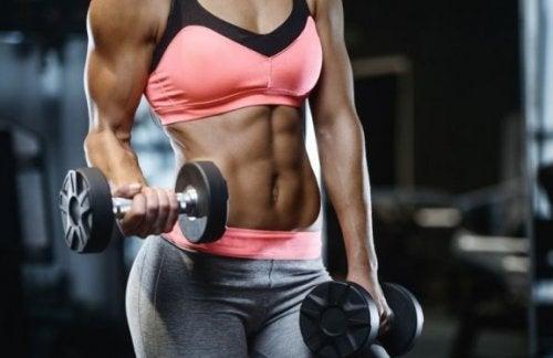 Seks treningsøvelser for større armer