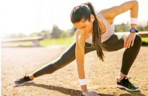 Å tøye ut bør være en del av rutinen din for å unngå skader