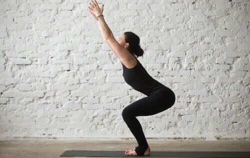 Yoga posisjoner: Fire gode posisjoner, som er lite brukt