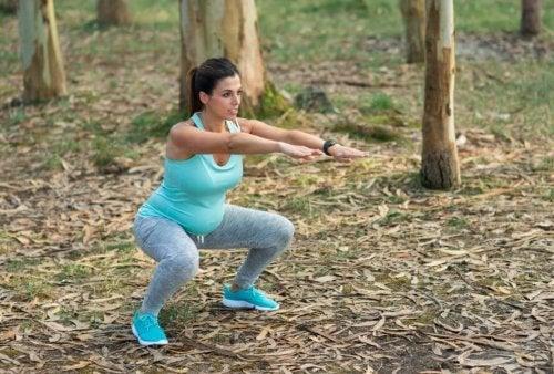 Grunner til å trene bekkenbunnen under graviditet