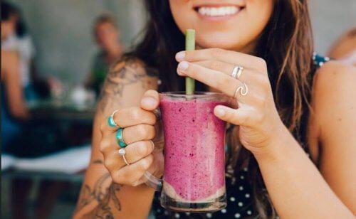 Naturlige proteinsmoothier, noen sunne oppskrifter