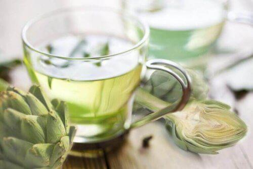 Gå ned i vekt med artisjokk: Te er én av metodene.