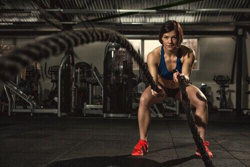 Slagtau er en annen øvelse som tilrettelegger for å kunne gå ned i vekt raskt.