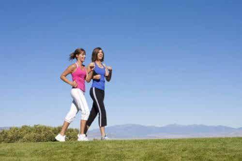 Det grunnleggende ved treningsformen power walking