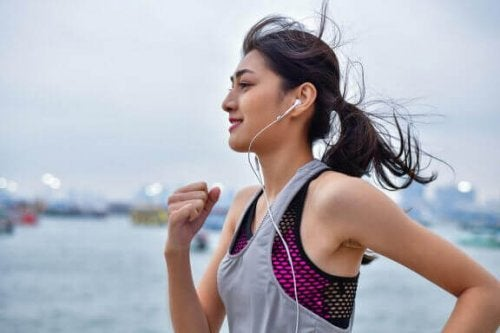 Løpe med musikk.