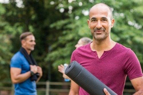 Fire øvelser for å øke smidigheten for menn over 40 år