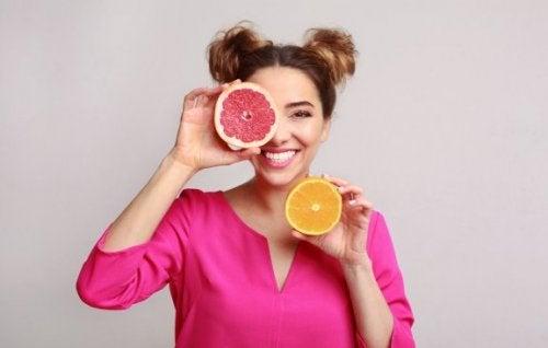 Grapefrukt: Egenskaper og fordeler for kroppen din