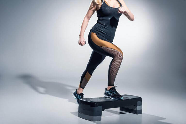 step-aerobic er morsomt og effektivt