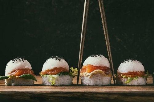 Oppskrifter på hamburgere: sushiburger