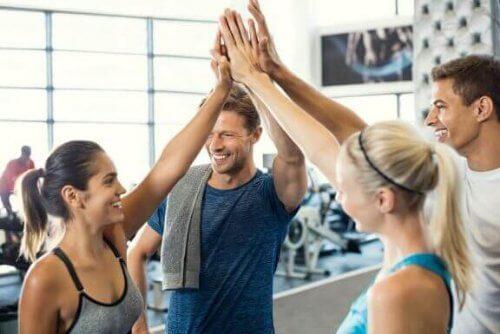 Fordeler og ulemper med å trene på treningssenteret