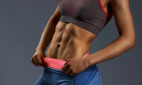 Fem grunnleggende regler for å oppnå flat mage