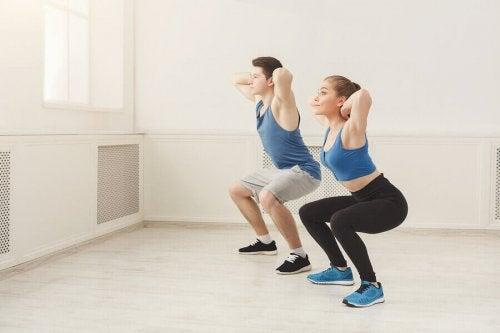 Dype knebøy: fordelene med å inkludere det i treningsrutinen din