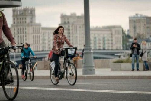 Bruke sykkel på jobb.