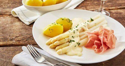 Tre deilige oppskrifter med asparges