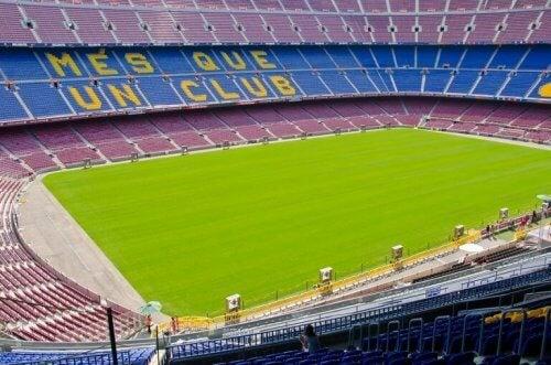 Camp Nou i Barcelona.