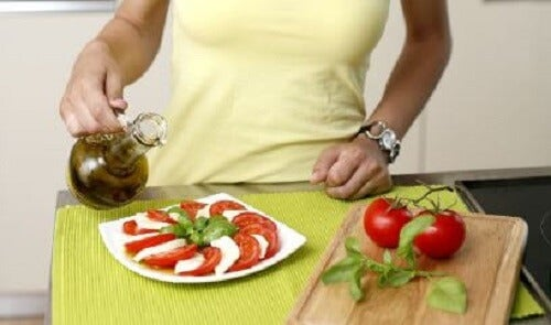 Nydelige oppskrifter på caprese-salat
