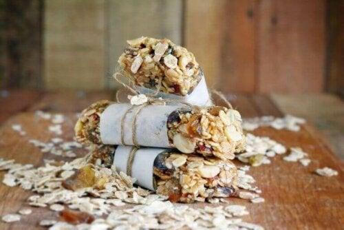 Lag dine egne proteinbarer med bringebær