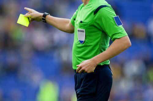 Reglene i fotball og hvem som bestemmer dem