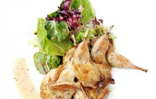Salat med fugl