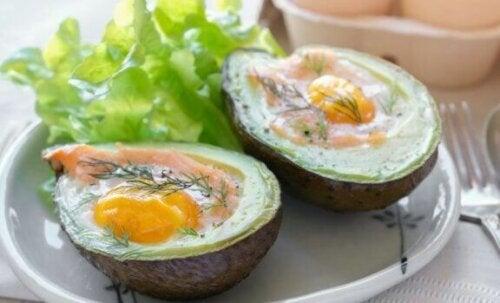 Egg i avokado